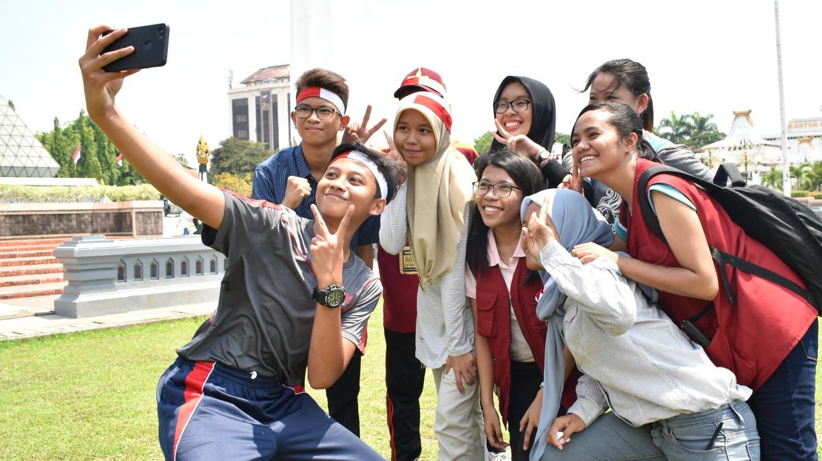 Jangkau dan Beneran Indonesia Bagikan 1000 Gawai untuk Ciptakan Generasi Damai